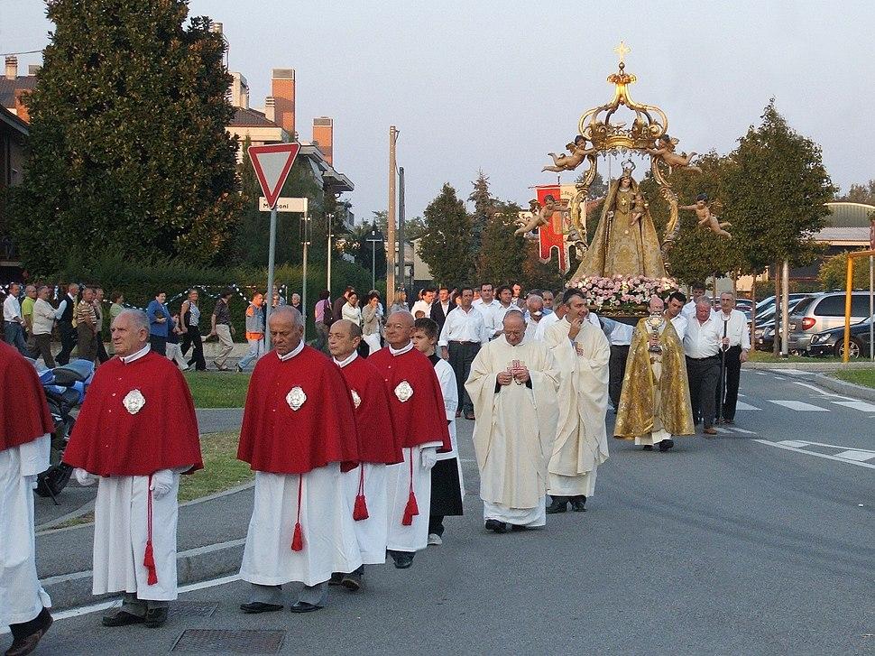 Azzano processione santo rosario