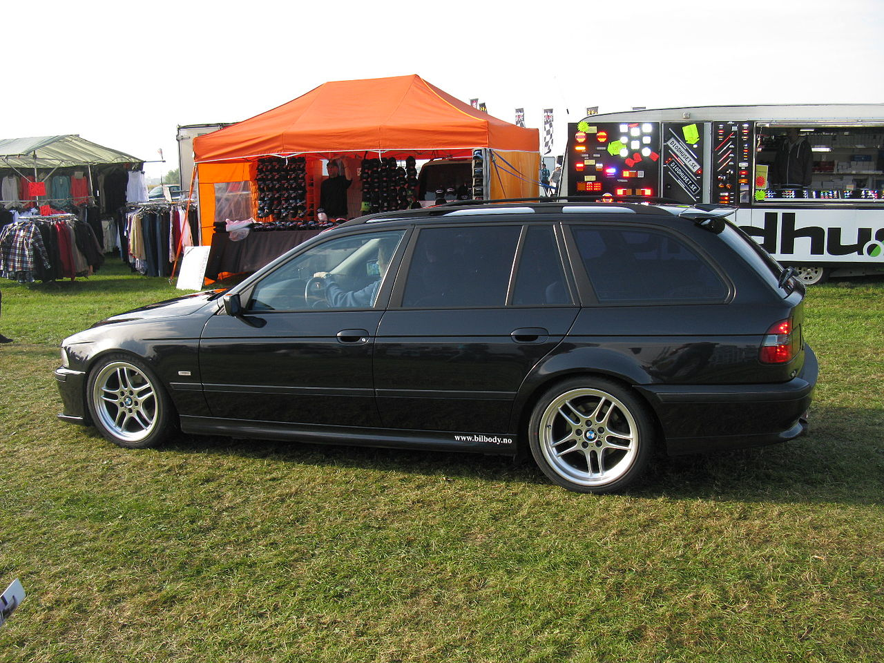File Bmw 5 Series Touring E39 6170962028 Jpg Wikimedia Commons