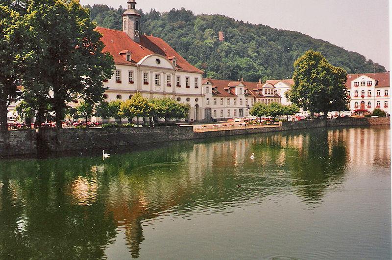 File:Bad Karlshafen.jpg