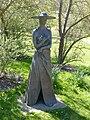 Bad Sassendorf – Bronze-Skulpturen – gut behütet an der Saline - panoramio.jpg