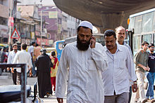Bangalore guy in white on phone November 2011 -39.jpg