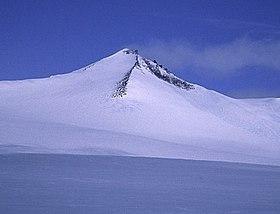 Barbeau Peak, Nunavut.jpg