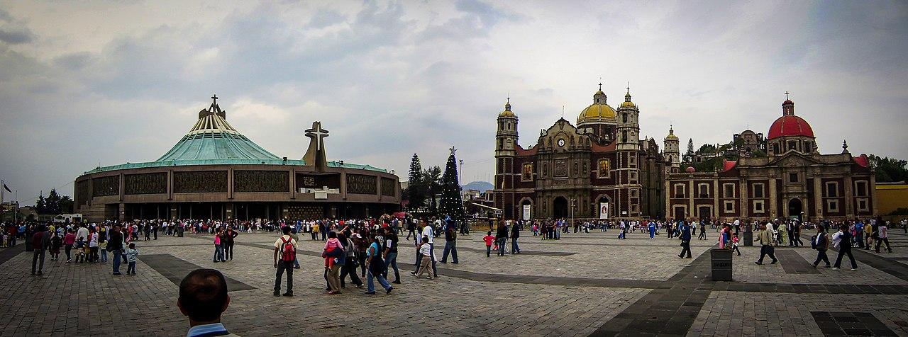 Basilica-PlazaMariana.jpg