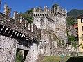Bellinzona Stadtmauer.JPG