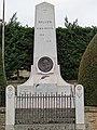 Belvès - Monument aux morts.jpg