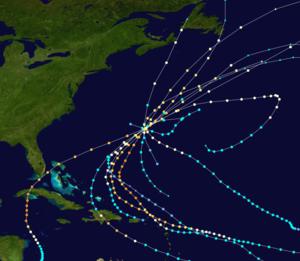 Regionální mapa zobrazující cesty devíti tropických cyklónů, všechny se sbíhají na Bermudách