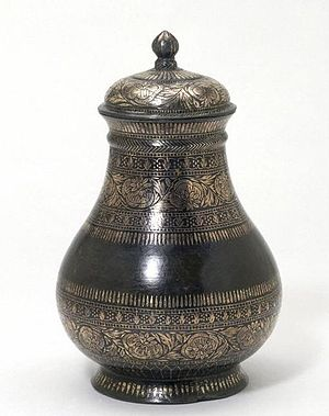 Bidriware cup and lid, ca 1850 V&A Museum
