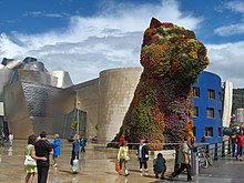 large sculpture Puppy by Jeff Koons in Bilbao