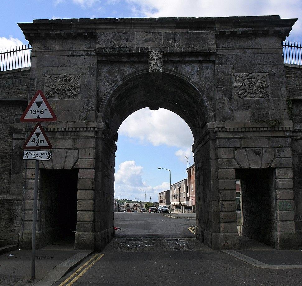 Bishops Street Gate Derry SMC 2007