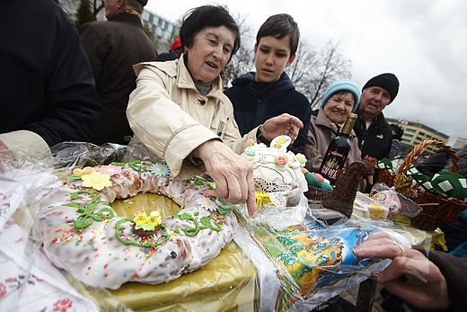 Blessing Easter Baskets in Kaliningrad 2017-04-15 03.jpg