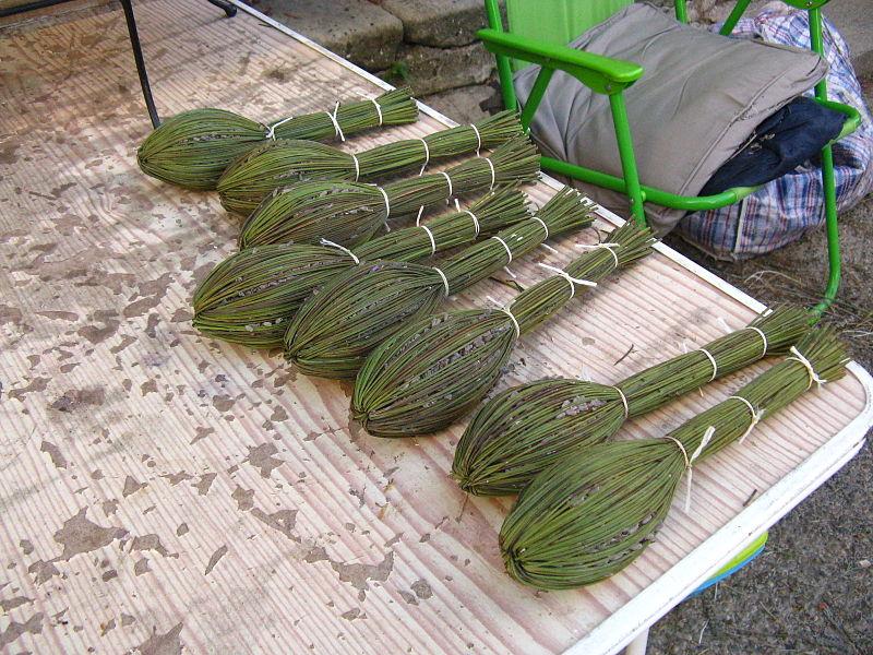 File:Bouquets de lavande à Saignon.jpg
