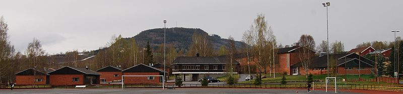 Bestand:Brandbu lower secondary school, Gran, Oppland, Norway.jpg