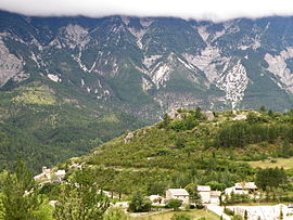 A general view of Brantes, with the slopes of Mont Ventoux in the background