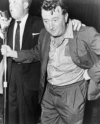 Brendan Behan - Behan being asked to sing at the Jager House Ballroom, New York City, 1960.