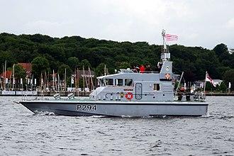 HMS Trumpeter (P294) - Image: Britisches Motorboot (7392690658)