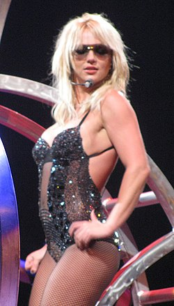 Britney spears tit falls out at her las vegas show 1217 - 4 6