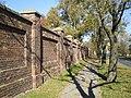 Brodno Cemetery wall 01.jpg