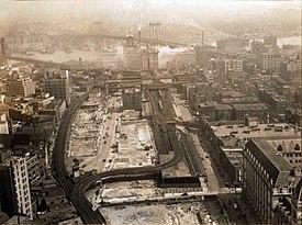 Brooklyn Bridge rail approaches 1936.jpg