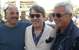 Columbro (al centro) insieme a Paolo Brosio (a sinistra) e Marcello Lippi (a destra) nel 2008