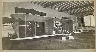 Blériot X - The incomplete Blériot X at the 1908 Paris Salon de l'Automobile et de l'Aéronautique