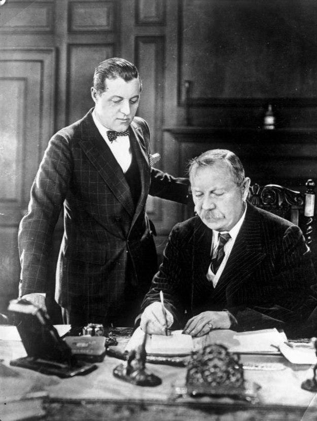 Bundesarchiv Bild 102-10068, Schriftsteller Conan Doyle mit seinem Sohn