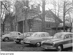 """Plänterwald - Image: Bundesarchiv Bild 183 72353 0001, Berlin, Treptow, Gaststätte """"Eierhäuschen"""""""