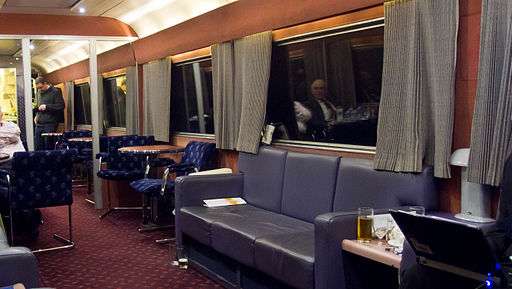 Caledonian Sleeper bar car 6706 (1)