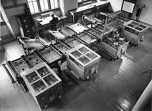Vannevar Bush - Image: Cambridge differential analyser