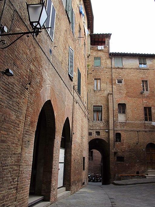 Castellare degli Ugurgieri, Siena
