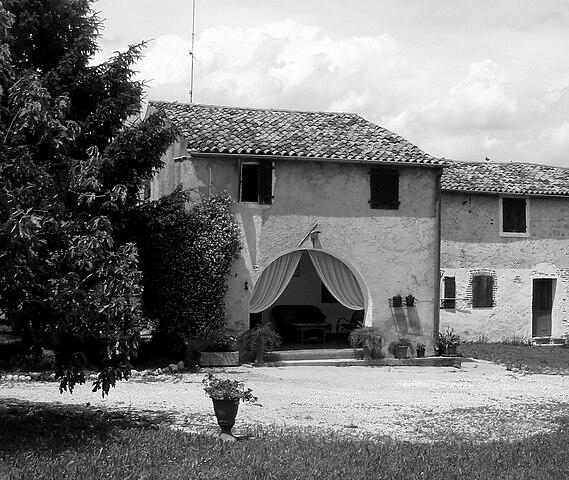 File castello roganzuolo casa rurale di via gardin for Piani tipo casa castello