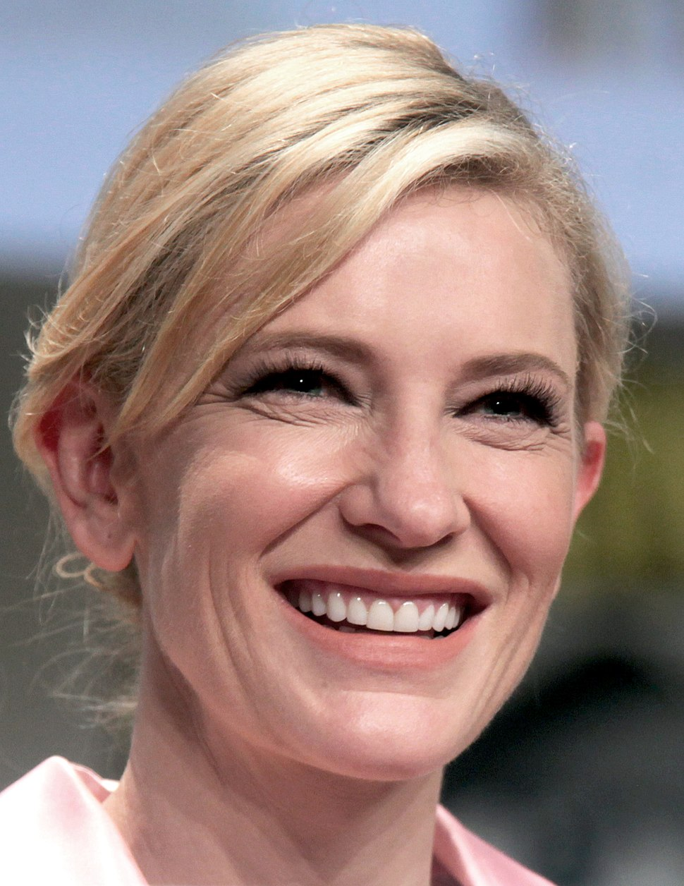 Cate Blanchett SDCC 2014 (cropped)