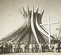 Catedral de Brasília Primeira Missa - BR RJANRIO PH 0 FOT 00694 0051, Acervo do Arquivo Nacional.jpg