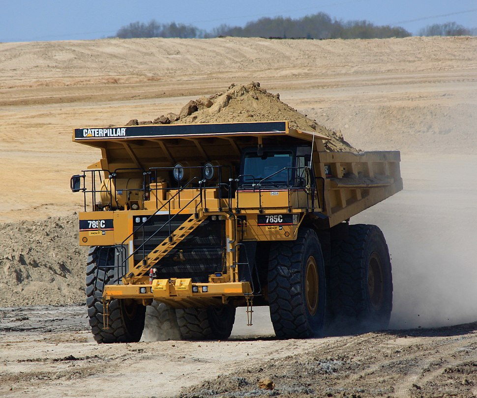 Caterpillar haul truck, Luminant Energy Kosse lignite mine (5556779421a)
