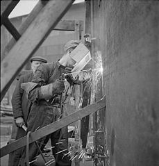 Cecil Beaton Photographs- Tyneside Shipyards, 1943 DB193.jpg