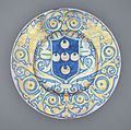 Charger with the Arms of the Piccolomini Family LACMA 50.9.37.jpg