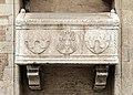 Chiesa di San Lorenzo a Vicenza - Facade - Monument to Benvenuto da Porto.jpg
