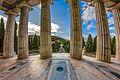 Cimitero di Staglieno Pantheon Colonnato.jpg