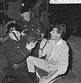 Circus Rudi Carrell, repetitie in Scheveningen de Mounties (links Piet Bamberge, Bestanddeelnr 916-5900.jpg