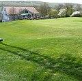 Clubhaus am Golfplatz - panoramio.jpg