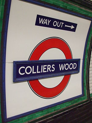 Colliers Wood tube station - Image: Colliers Wood stn roundel