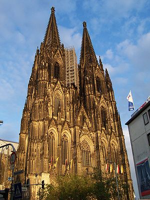 Zentral-Dombauverein zu Köln von 1842 - Image: Cologne cathedral at dusk