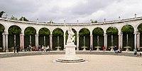 Colonnade Versailles June 2010.jpg