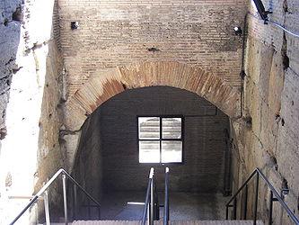 Colosseum (Rome) 11.jpg