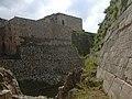 Crac des Chevaliers, Auf der Äusseren Burgmauer (38650902636).jpg