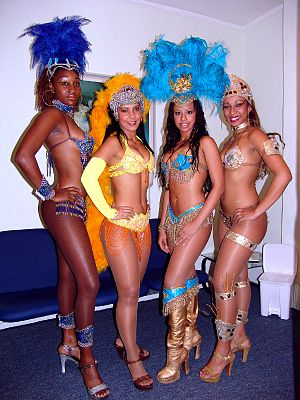 Samba (Brazilian dance) - Samba dancers at Rio Carnival in 2008