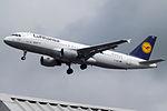 D-AIPS A320 Lufthansa (14708319092).jpg