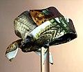 Dameshoed gemaakt uit zijden shawl met opdruk fazant, objectnr 74047.JPG