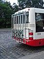 Dejvická, autobus s nosičem jízdních kol (01).jpg