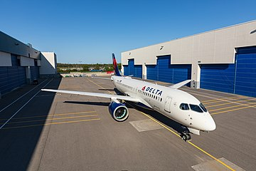 Delta's Airbus A220 (43954683534).jpg