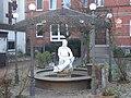 Dorothea Viehmann Statue Knallhütte.jpg